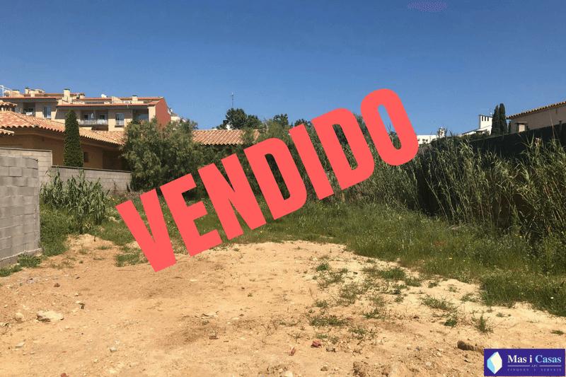 VENDIDO Terreny Mestral